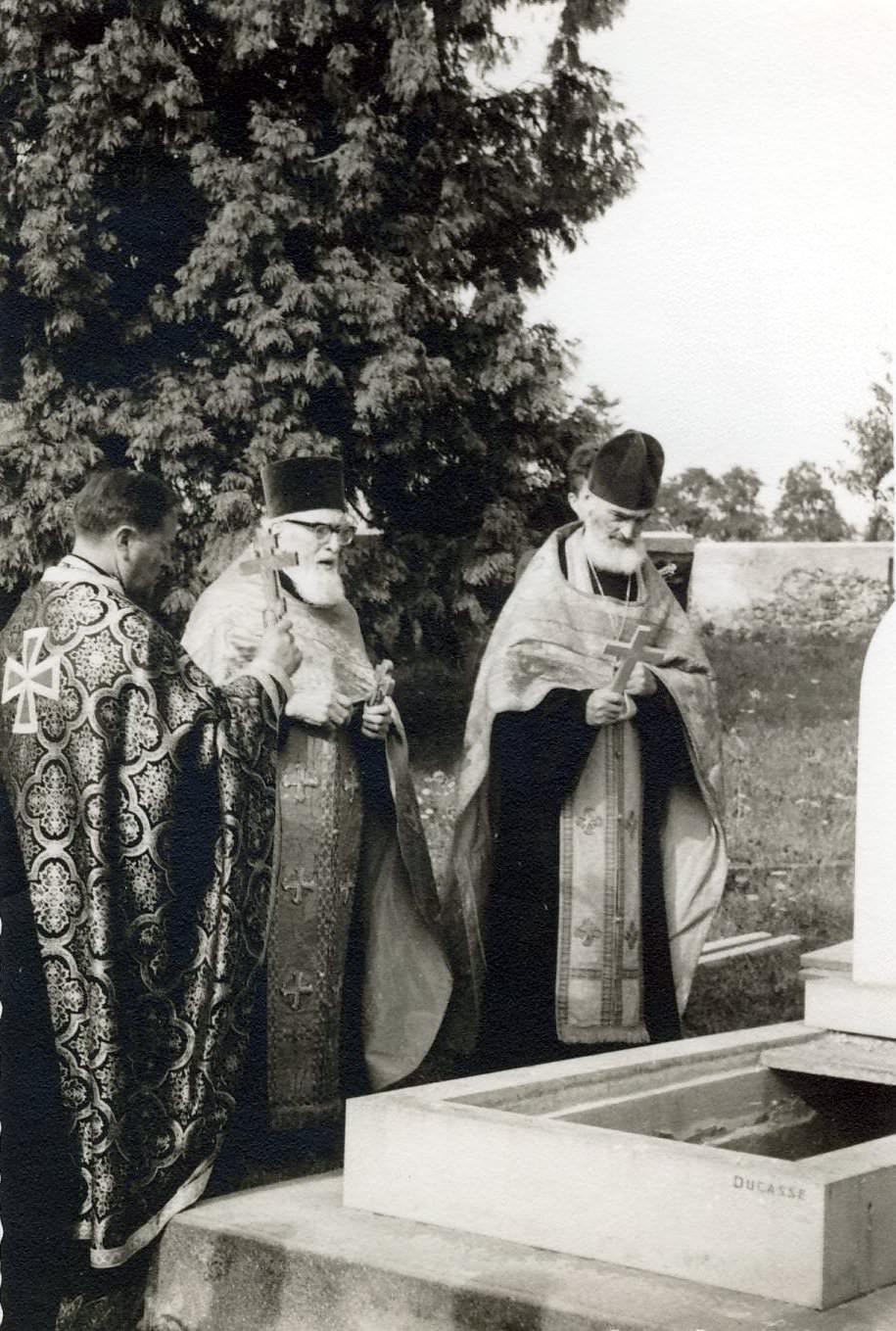 Mitropolitul Visarion Puiu - cimitirul din  Viels-Maisons (Aisne) hp 2