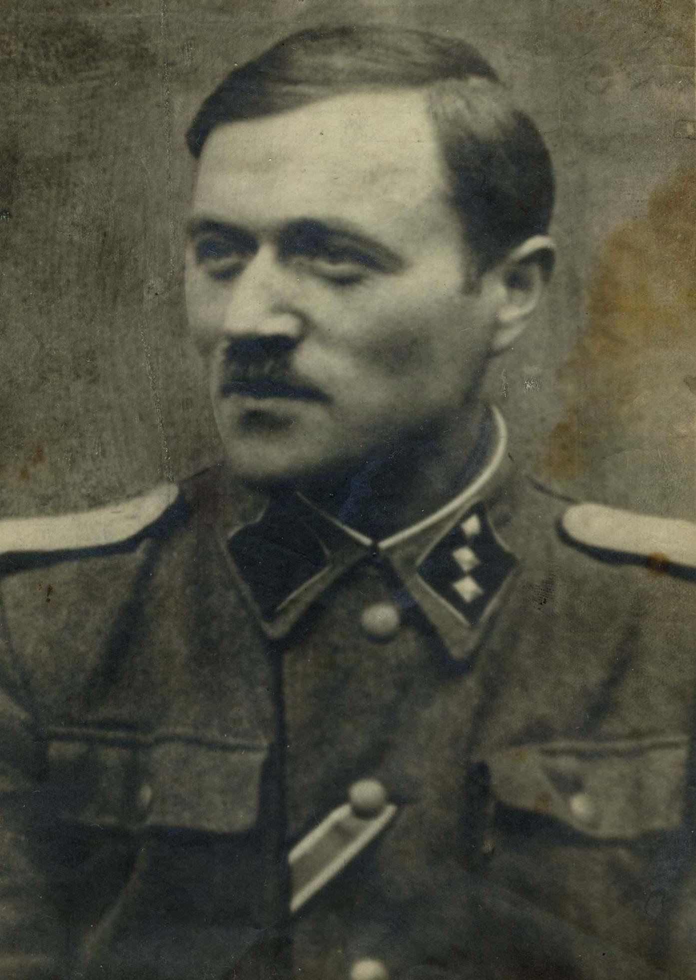 Popa D. - in uniforma de militar hp 1